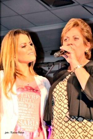 Governadora-e-Ana-Paula-Valadão-no-Congresso-do-Diante-do-Trono-Foto-Kalina-Veloso