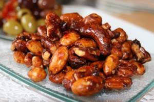 Honey-glazed almonds