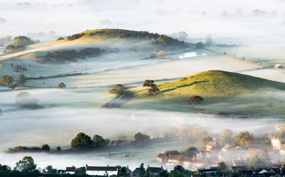 mist-over-countryside-england