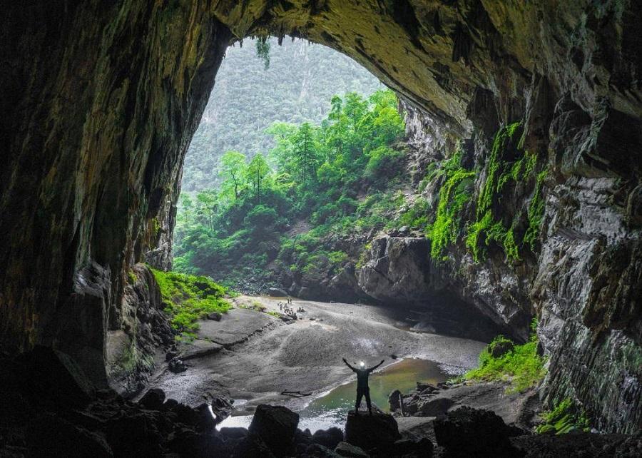 Son Doong Cave A Hidden World