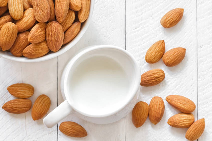 Benefits of Drinking Almond Milk