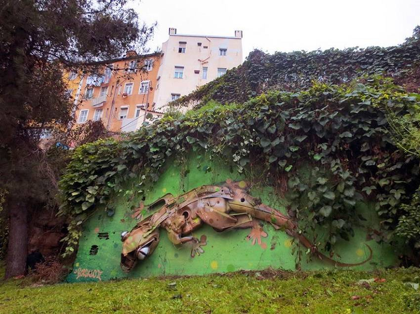 02-Bordalo II - Amazing Street Art Murals From Trash