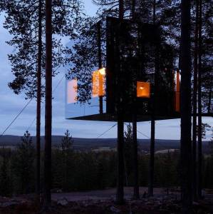 Mirrorcube Treehouse Hotel, Sweden