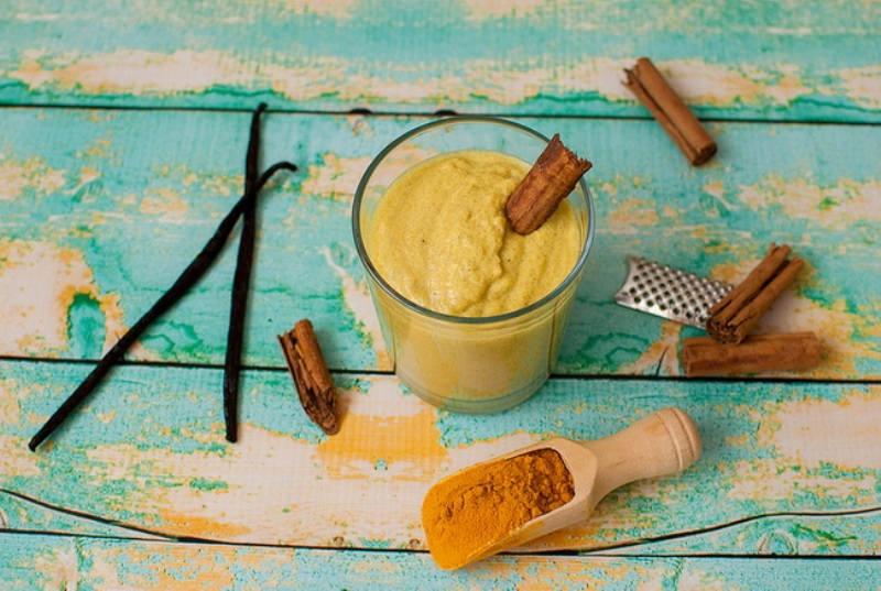 turmeric smoothie