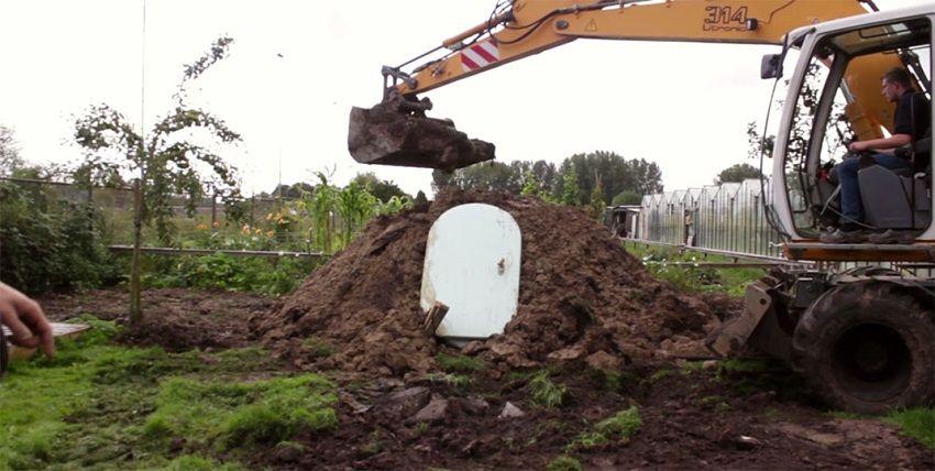 2.Innovative Ground Fridge