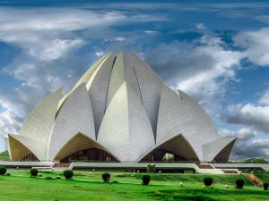 Cities in India: Lotus temple, Photo by harmeet