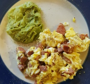 A classic low-carb breakfast for burning fat