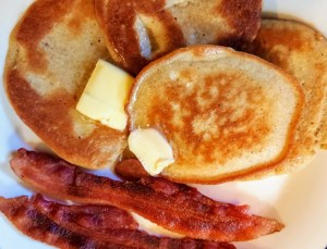 Super Simple Low-carb Pancakes with a side of bacon