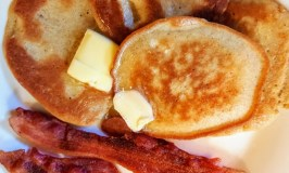Super simple low-carb pancakes