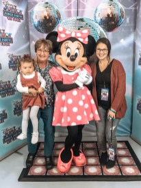 Disney Jr Minnie Group