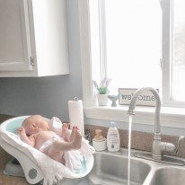 Looking for the perfect tub for your new baby? Check out this new Clean Rinse Baby Bather by Summer Infant!