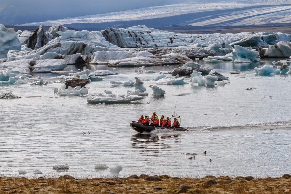 Jökulsárlón lagoon boat tour