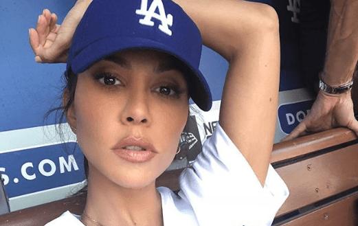 """Kourtney Kardashian Shows off Her Sexy """"Detox"""" on Instagram"""