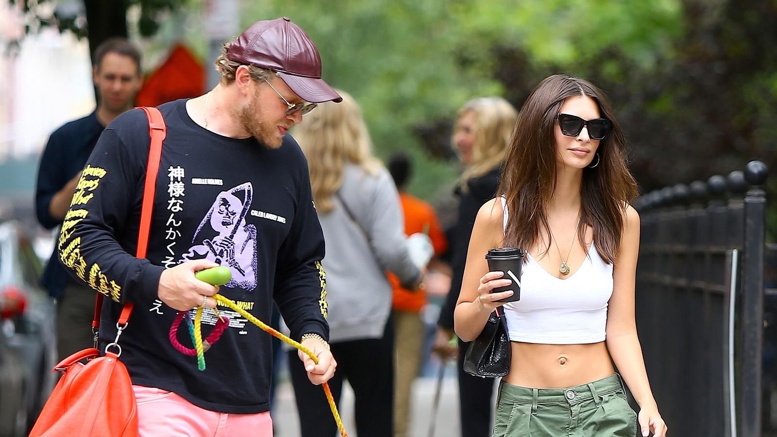 emily ratajkowski looks hot with her husband at the dog park