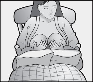 breastfeeding-position-for-twins