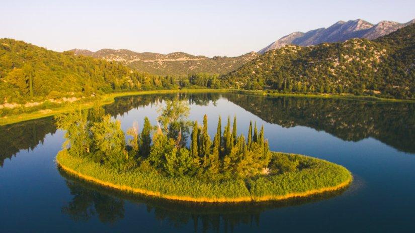 otok-ljubavi-bacinska-jezera