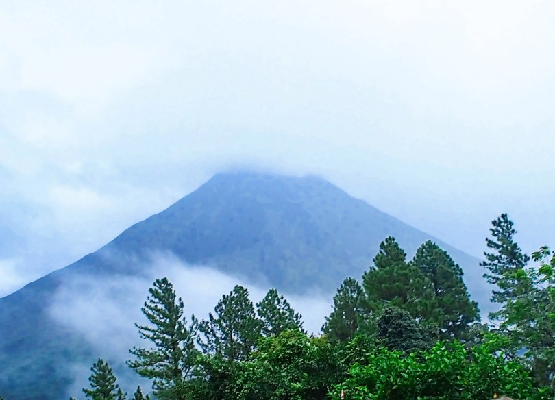 Hiking Cerro Chato Costa Rica