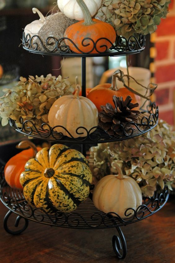 23 Budget Friendly Thanksgiving Centerpieces you can totally make yourself!