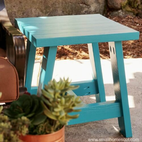 2x4 Outdoor Table by Small Home Soul ~ Creatively Crafty Featured Post ~ Life Beyond the Kitchen