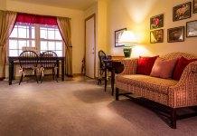 Klasyczne lampy podłogowe – sposób na dodatkowe oświetlenie w twoim domu