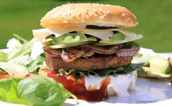 Po dania typu fast food sięgamy raz na jakiś czas