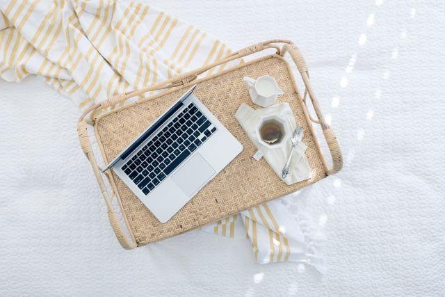 Writinginbed_LaurenMancke