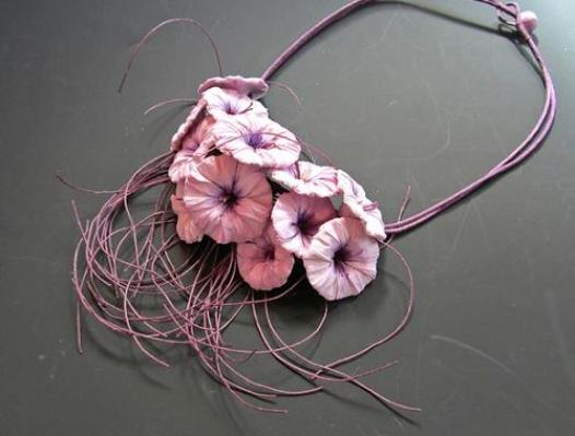 pink-necklace