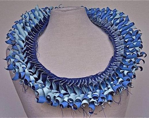 blue-necklace-paper