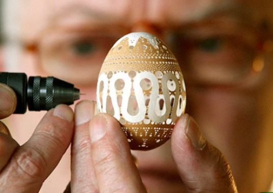 egg-artist-franc-grom