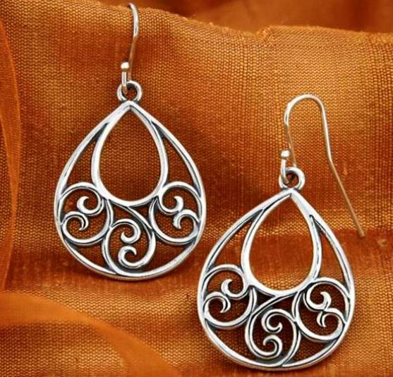paper quilling earring - Earring Design Ideas