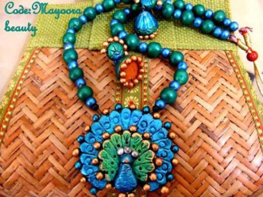 clay-peacock-necklace