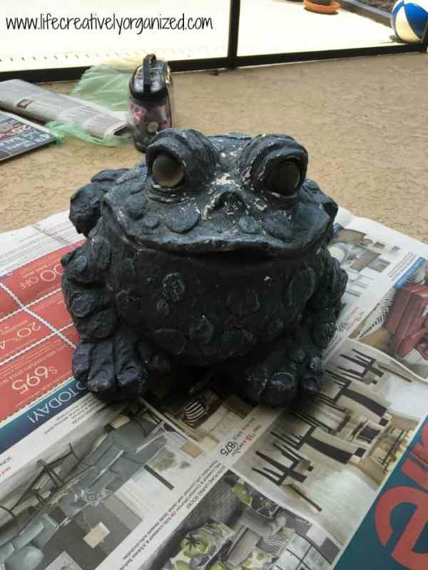 Update old lawn ornaments with paint to give them a whole new look! Plaster toad before being painted.