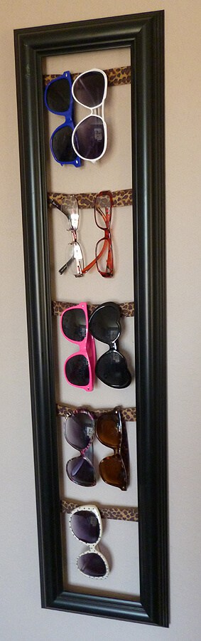 Here are some clever eyeglasses craft ideas - glasses storage frame