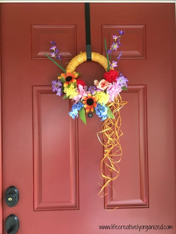 How to make a wreath for $5. Finished wreath.