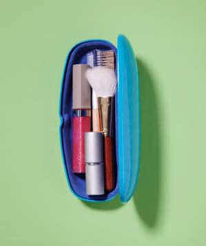 Here are some clever eyeglasses craft ideas: a make-up bag