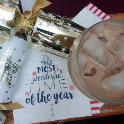Cheers! Make your own (vegan) Christmas drink
