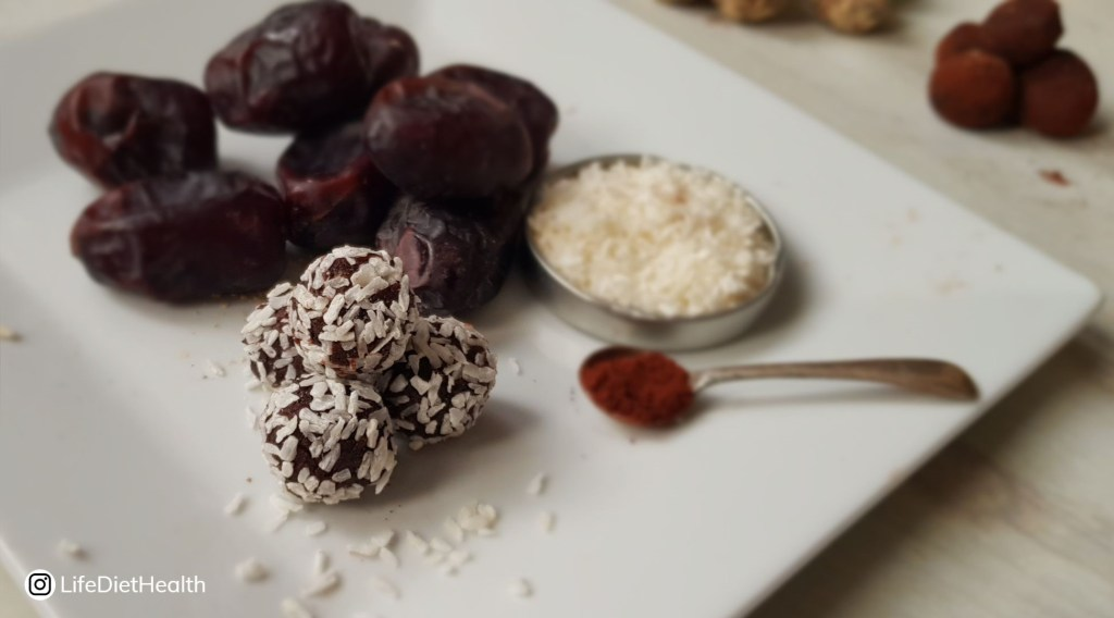 coconut energy balls with dates and cocoa