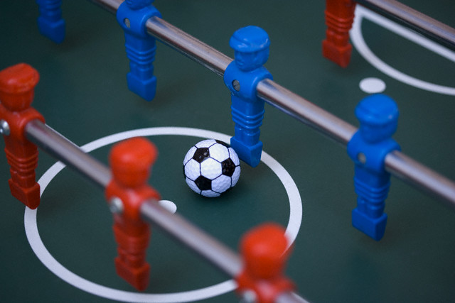 FACING OPPOSITIONS TABLE SOCCER
