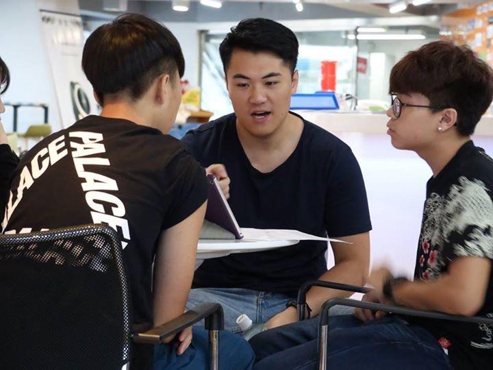 創業工作坊讓浩賢、樺囝和雅詩有機會向真正生意人學習營商之道。