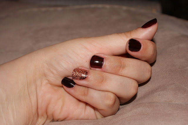 stargazer 515 nail varnish nail polish with stargazer gold glitter shaker