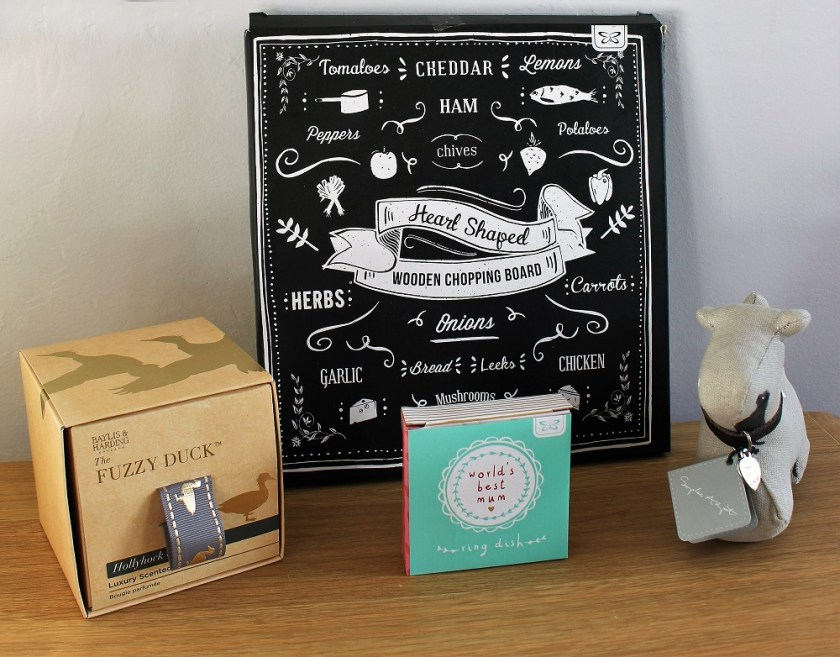 Mothers Day at Blueberry Tree Image of packaging - candle, chopping board, ring dish and paper weight