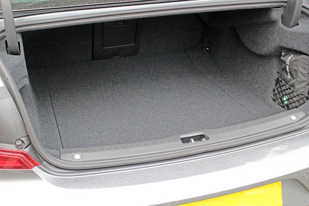 Volvo S90 Boot