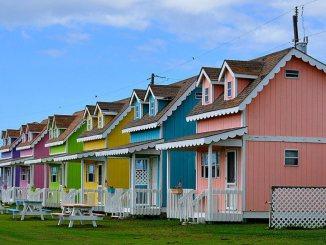 beach cabin cottage tiny