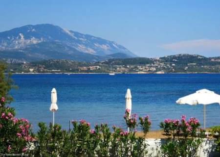 Week 136 Sunday's Best Featured Theme Post - Beaches of the Greek Island from The Boondocks Blog