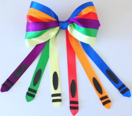 Week 139 Sunday's Best Featured Back to School Theme Post - Crayon Inspired Hair Bow from Purple Hues and Me