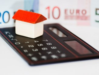 Staying in Control of the Finances in Your Home