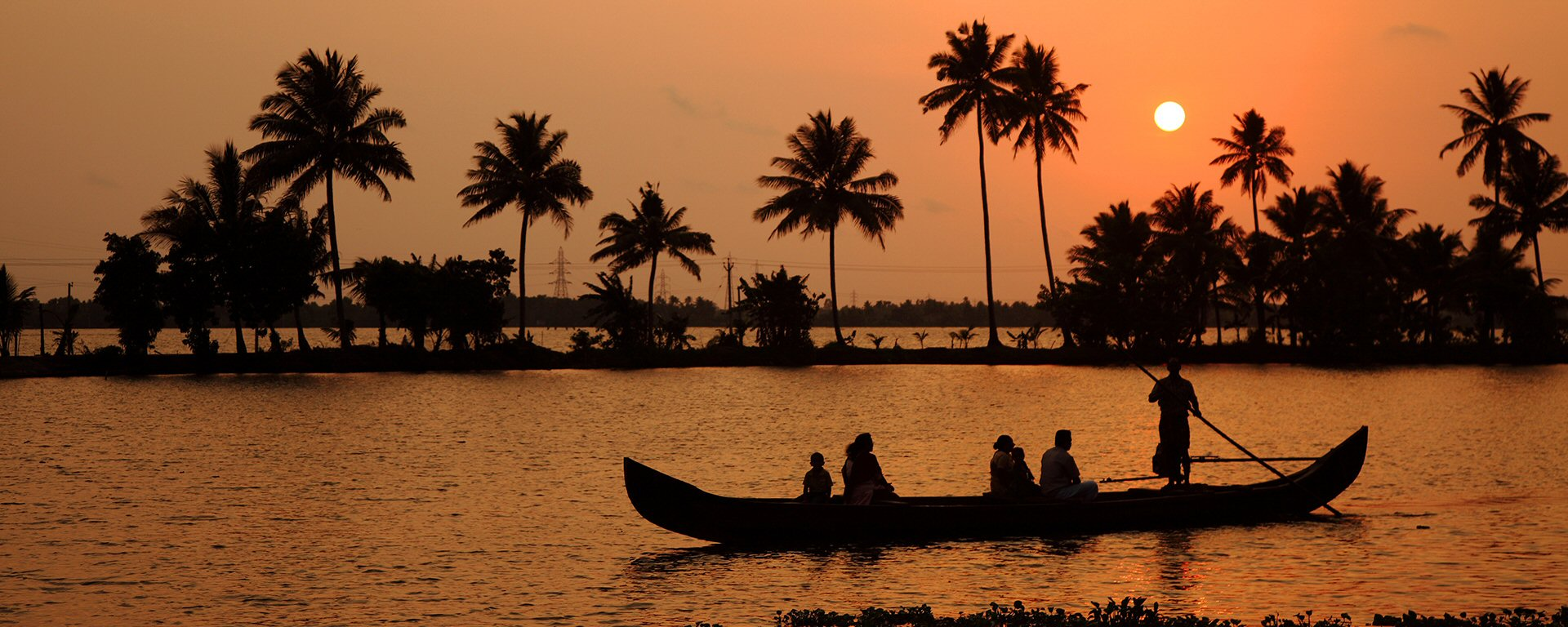 Taking Family Holiday in Alleppey