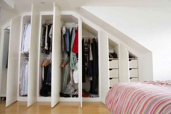 Customize any unused space in your room for storage