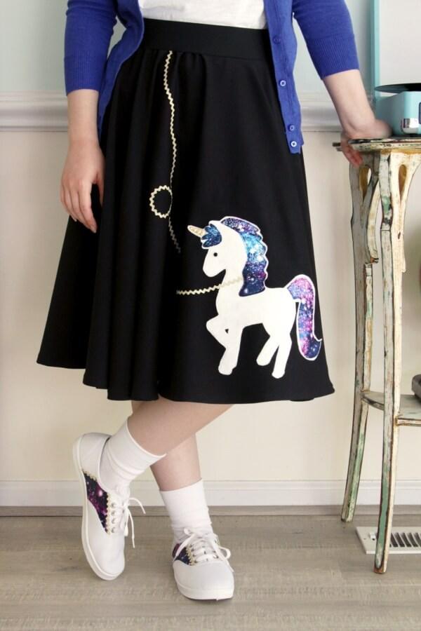 Week 196 - DIY Fifties Unicorn Glitter Skirt from Flamingo Toes