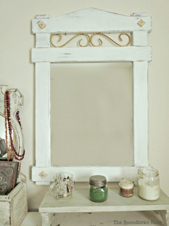 Week 219 - How to Makeover a Curbside Mirror from The Boondocks Blog